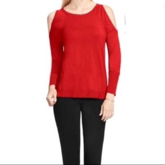 e09da43dd8307 Red Vince Camuto cold shoulder sweater. M 5a70d3a7f9e50120090197d5